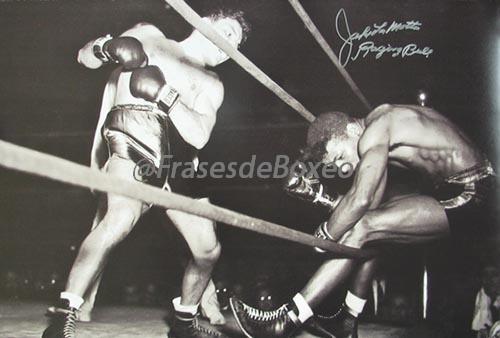 jake-lamotta-signed-20x30-photo-knocking-sugar-ray-robinson-through-ropes-february-1943-12-t195939-500